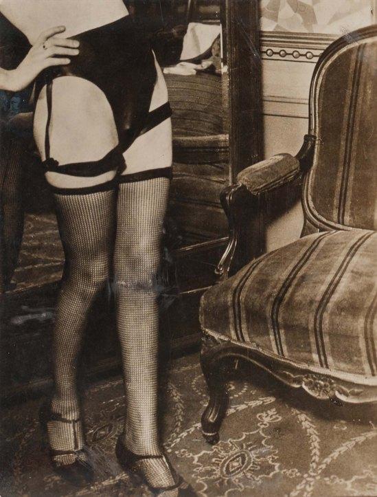 Brassaï -Hôtel de passe rue Quincampoix, publicité pour la lingerie féminine Diana Slip 1932