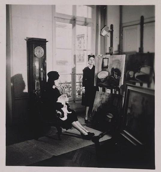 Dora Maar  - Autoportrait dans l'atelier du 6, rue de Savoie avec Marie-Laure de Noailles, 1941