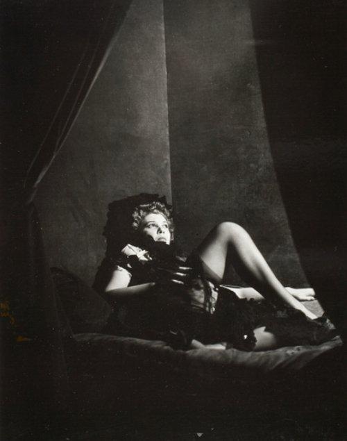 Dora Maar- Leonor Fini 1930s ( on peut supposer que cela fait partie de la série de 1936)