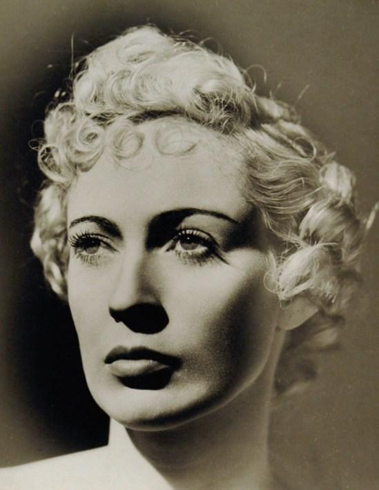 Dora Maar, Portrait d'une femme, Paris, c. 1935