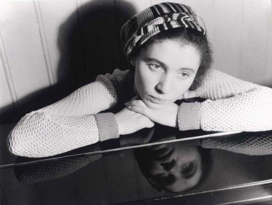 Eva Besnyö-  Chaja Goldstein, 1933