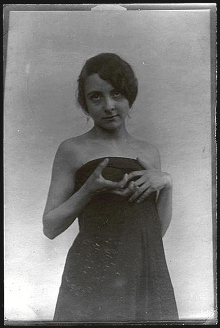 Alphonse Maria Mucha -H ands pose  Paris,  1908 © Alphonse Mucha Trust