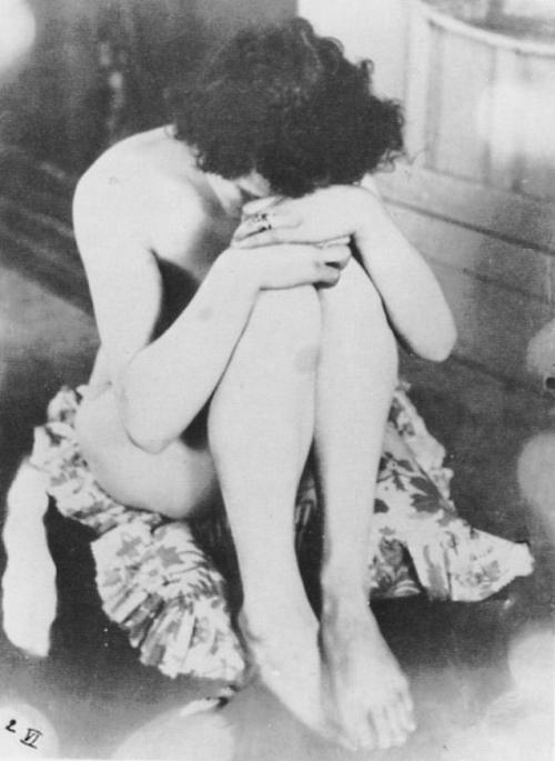 "Alphonse Maria Mucha - Model called ""La Bise"", pour Cocorico N 3 du 1er fevrier 1899.© Alphonse Mucha Trust"