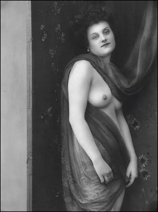 Alphonse Maria Mucha - Model posing  1918 © Alphonse Mucha Trust