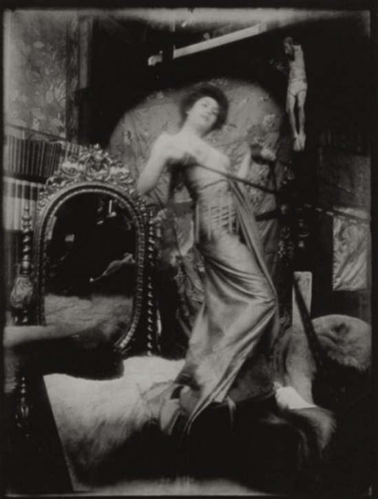 Alphonse Maria Mucha -Model , Studio du Val de grâce, Paris, 1900 © Alphonse Mucha Trust