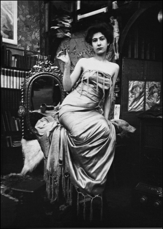 Alphonse Maria Mucha -Model , Studio du Val de grâce, Paris, 1900 © Alphonse Mucha Trust (3)