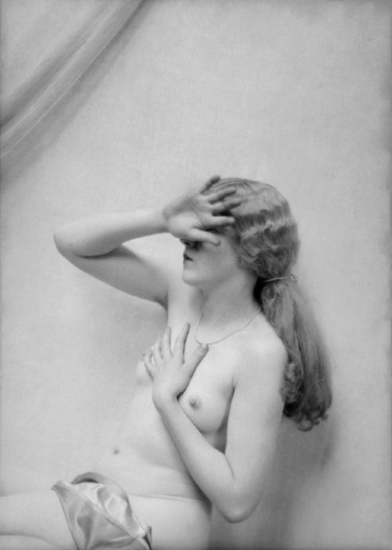 E. O. Hoppé- Nude Model, 1924 © Émil Otto Hoppé © NPG