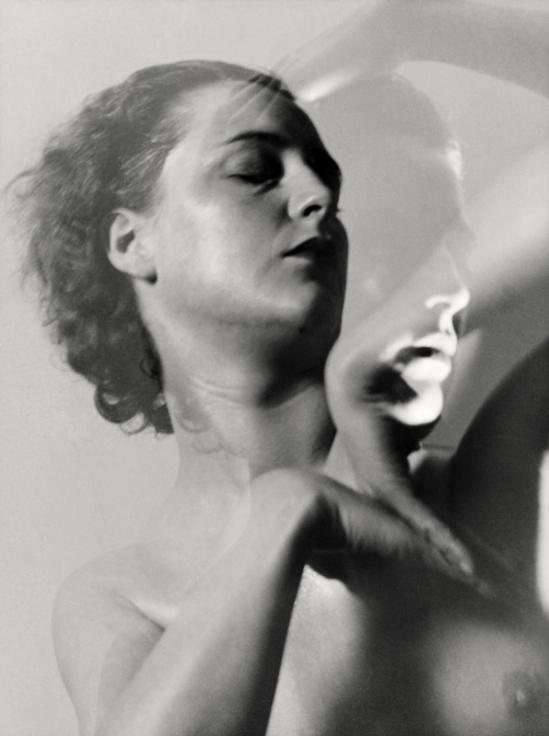 E. O. Hoppé- Rhoda Beasley, 1935 © Émil Otto Hoppé © NPG