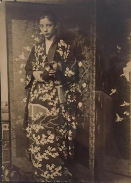 George Breitner Geesje Kwak in a kimono. 1893. Gelatin silver print Rijksmuseum coll.