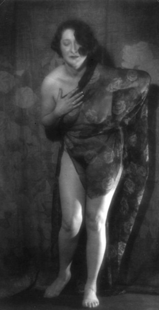 Alexander Danilovich Grinberg - Nude study with veil Moscou, 1920s