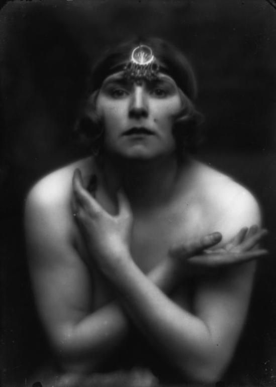 Alexander Danilovich Grinberg - Portrait actress , 1920s