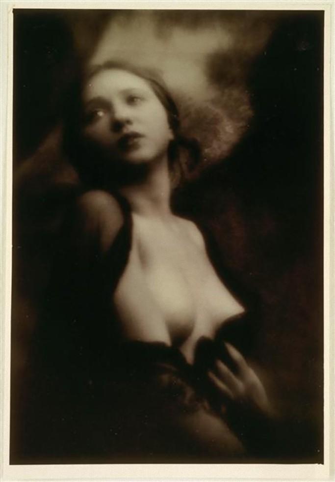 Alexander Danilovich Grinberg - Portrait du femme-1913-14_e