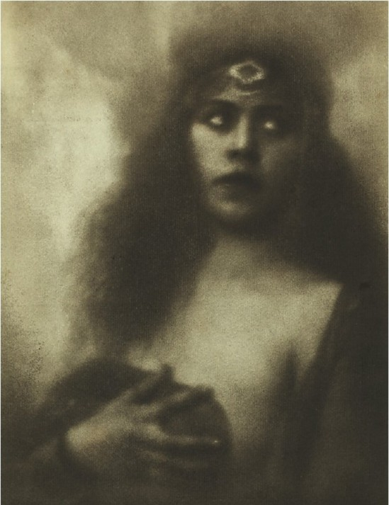 Alexander Danilovich Grinberg - Portrait of an unknown actress, 1923