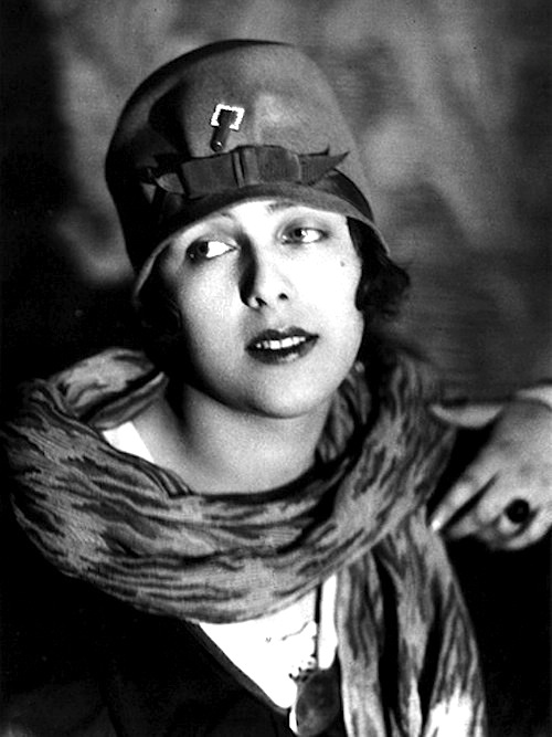 Alexander Danilovich Grinberg -Portrait of Nataliya Grinberg, ca 1920