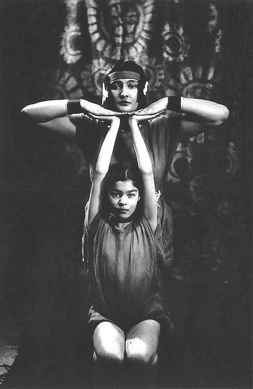 Alexander Danilovich Grinberg - Portrait of two actors of The Theatre of Meyerhold, 1920s