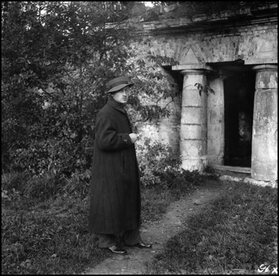Alexander Danilovich Grinberg - Self-Portrait, 1916