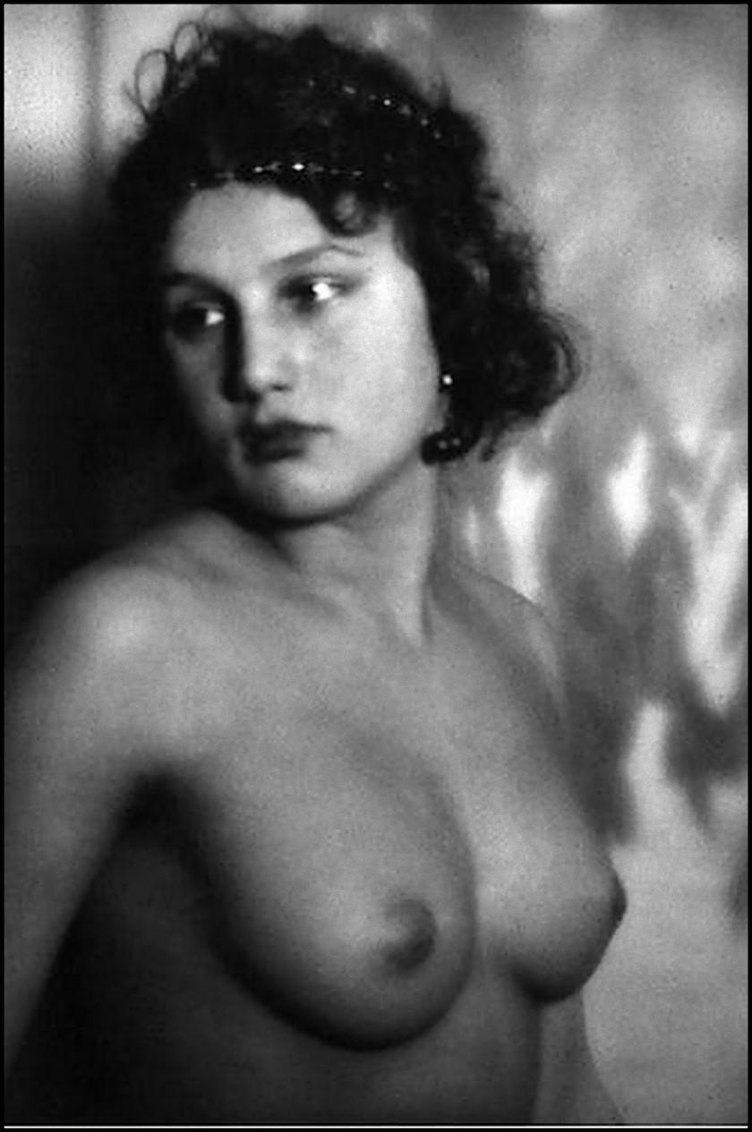 Alexander Danilovich Grinberg - Study of Nude,Tamara Lavrova 1925 s