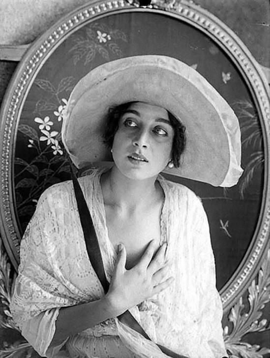 Alexander Danilovich Grinberg -Vera Kholodnaya ,1910-15