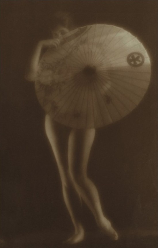 Alexander Danilovich Grinberg- Nude Study with umbrella, 1926
