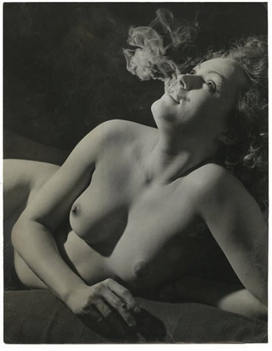 Brassaï - Nu à la cigarette Paris, 1937-1938