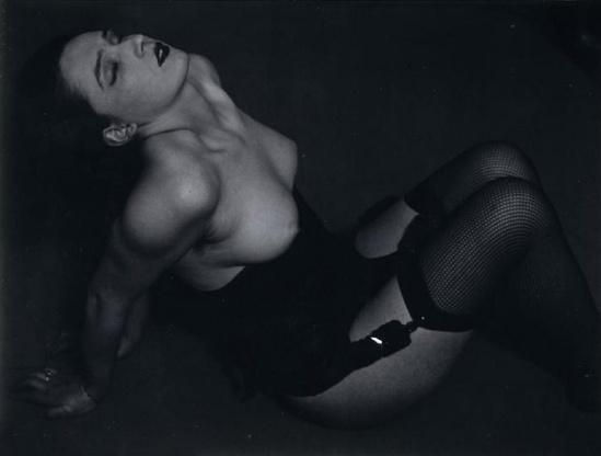 Brassai -Nu,( les Résilles), 1932