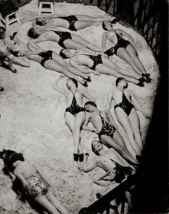 © Brassaï-Le Dompteur et ses Fauves, vue des Coulisses des Folies-Bergere,1932.