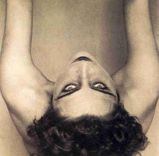 Edward Weston -Portrait de la poètesse et peintre Nahui Olin (Carmen Mondragon), , 1923-24