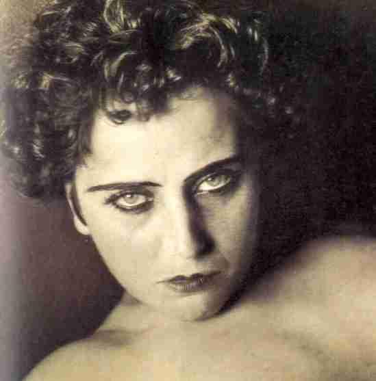 Edward Weston -Portrait de la poètesse et peintre Nahui Olin , 1923-24