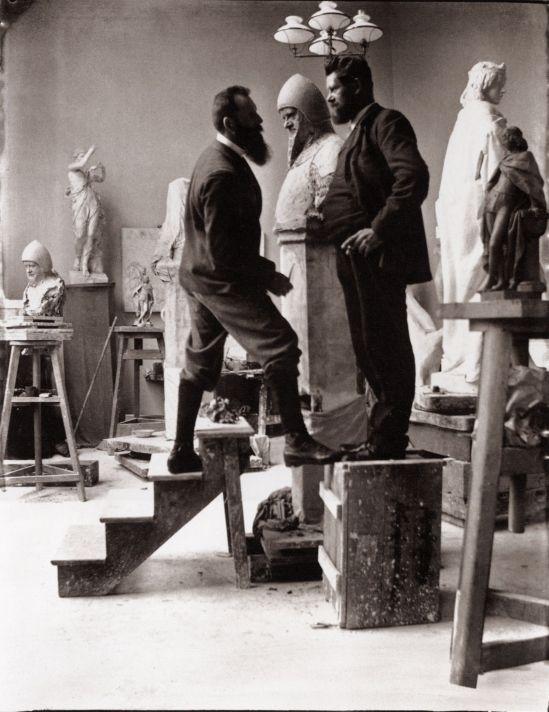 Heinrich Zille Künstlerkollegen und Ateliers,Artistes et studios Compagnons, Heinrich Zille est le modèle Août Kraus pour le buste de Wedigo de Plotho1900