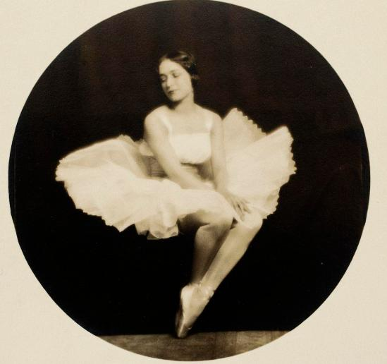 Henry B. Goodwin Portrait Jenny Hasselquist as a sylphid, 1917,