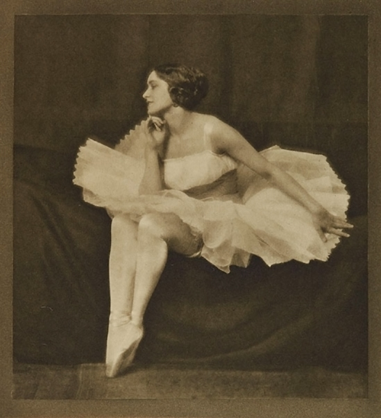 Henry Buergel Goodwin- Sylfid( Model jenny Hasselquist), 1917 from Photograms of the year, 1917-18 photogravure
