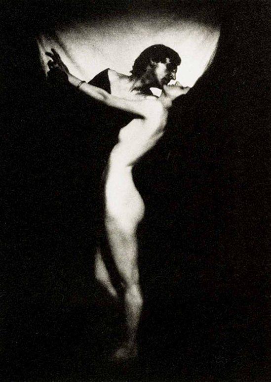 Lejaren A Hiller Photogravure , 1915