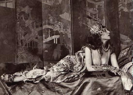 Ida Rubinstein dans Séhérazade en 1910