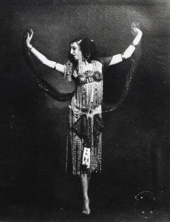 Ida Rubinstein in the role of Salome (French Photographer)© Bridgeman Art Library - Private Collection