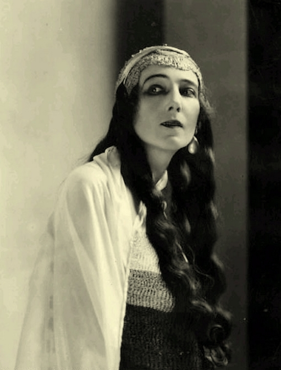 James Abbe- Ida Rubinstein- Abbe Phaedre, 1923