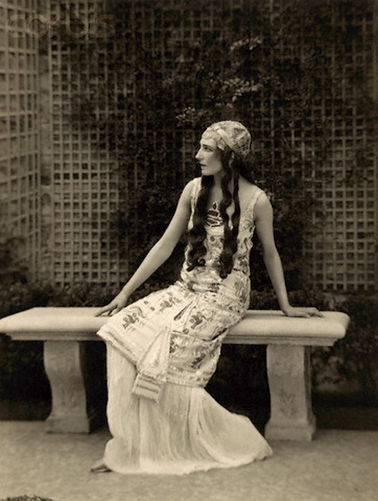James Abbe- Ida Rubinstein- Phaedre, 1923
