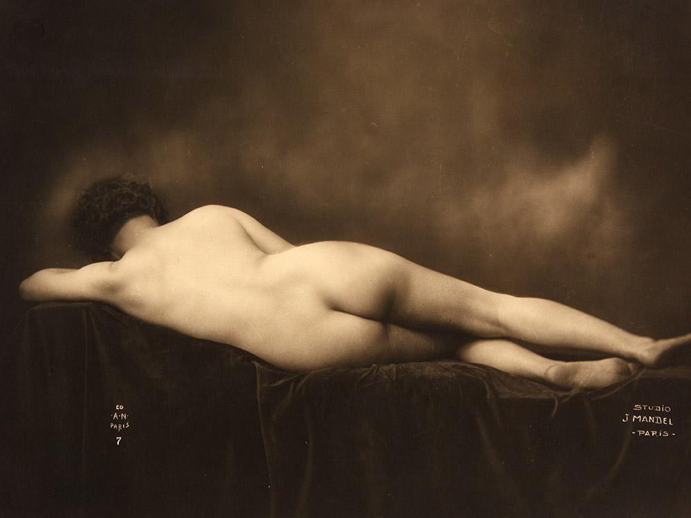Julien Mandel  -  ( A Noyer editeur)- Etude de nu, 1930  - Nue Féminin de Dos Vers 1910-20