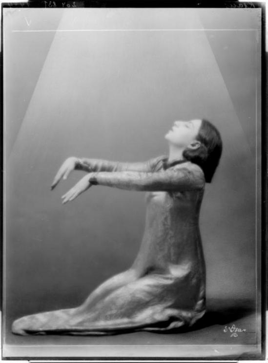 Madame d' Ora (d'Ora-Benda) - Gertrude Kraus, 1927 1