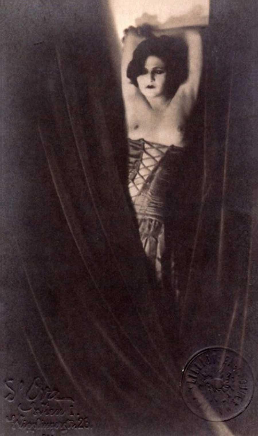 Madame d'Ora- Anita Beber, Tanz Kokain,1922