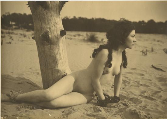 Marcel Meys- Etude de nu à la plage, 1930