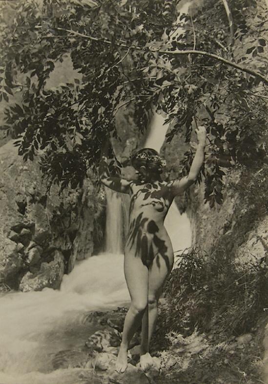 Marcel Meys - Nude par une chute d'eau, 1930