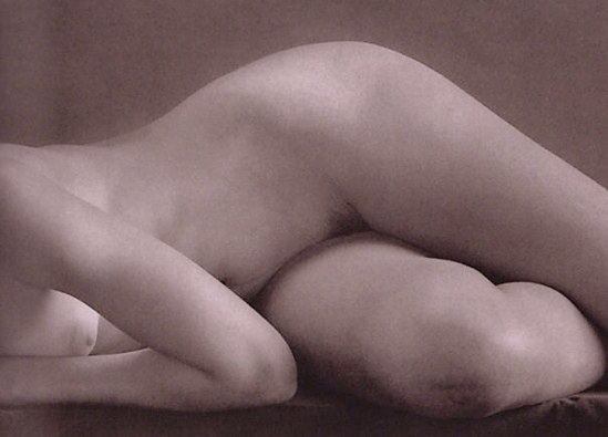 Ruth Bernhard-Dancer,1951 The Eternal Body.
