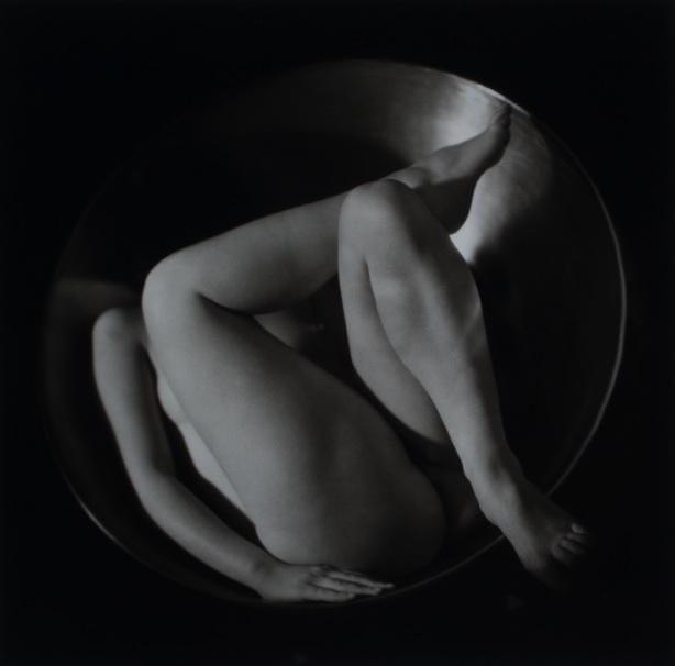 Ruth Bernhard - In circle, 1934