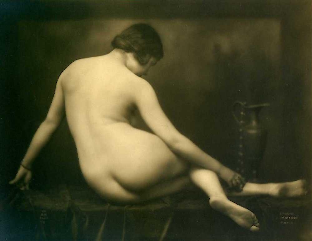 Studio Julian Mandel- Nude, 1920's ( A Noyer editeur)