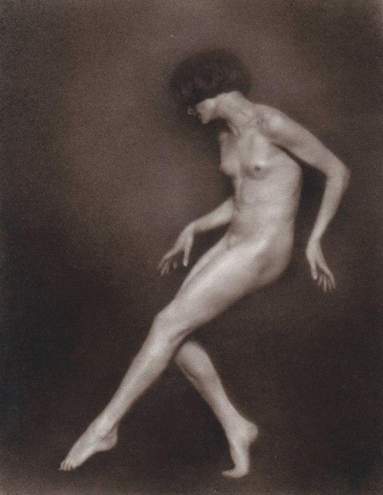Trude Fleischmann-Aktstudie der Tänzerin Claire Bauroff, Wien 1925