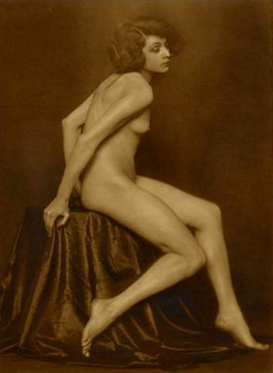Trude Fleischmann -Claire Bauroff,1925