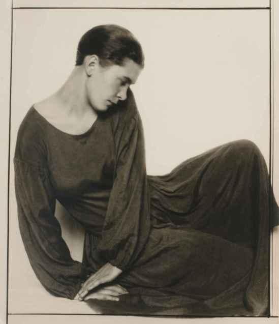 Trude Fleischmann, Dancer Ruth Maria Saliger, Vienna, 1929