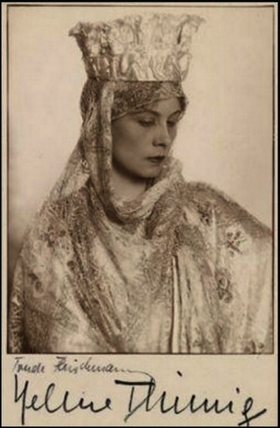 Trude Fleischmann - Helene Thimig, 1928