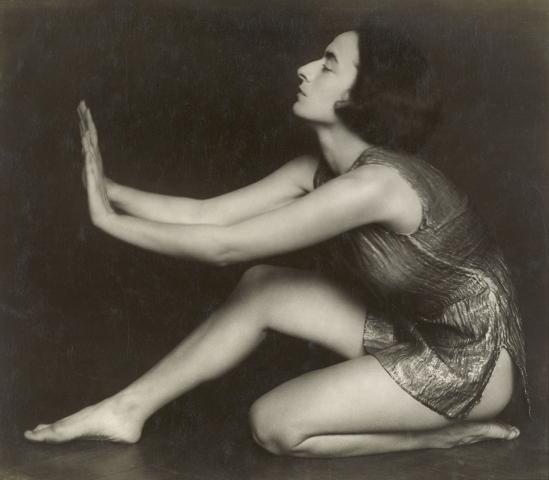 Trude Fleischmann- The dancer Berta Reidinger, 1929