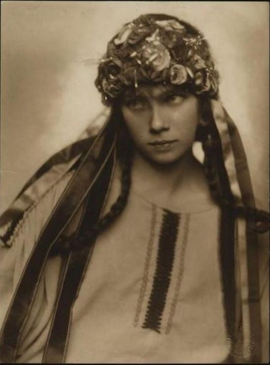 Trude Fleischmann- Tilly Losch in einem Rollenporträt, nd